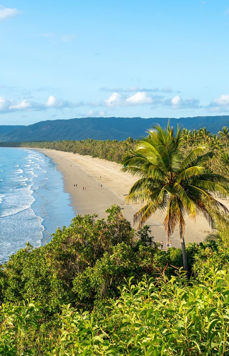 Four Mile Beach, Port Douglas, QLD © Tourism and Events Queensland
