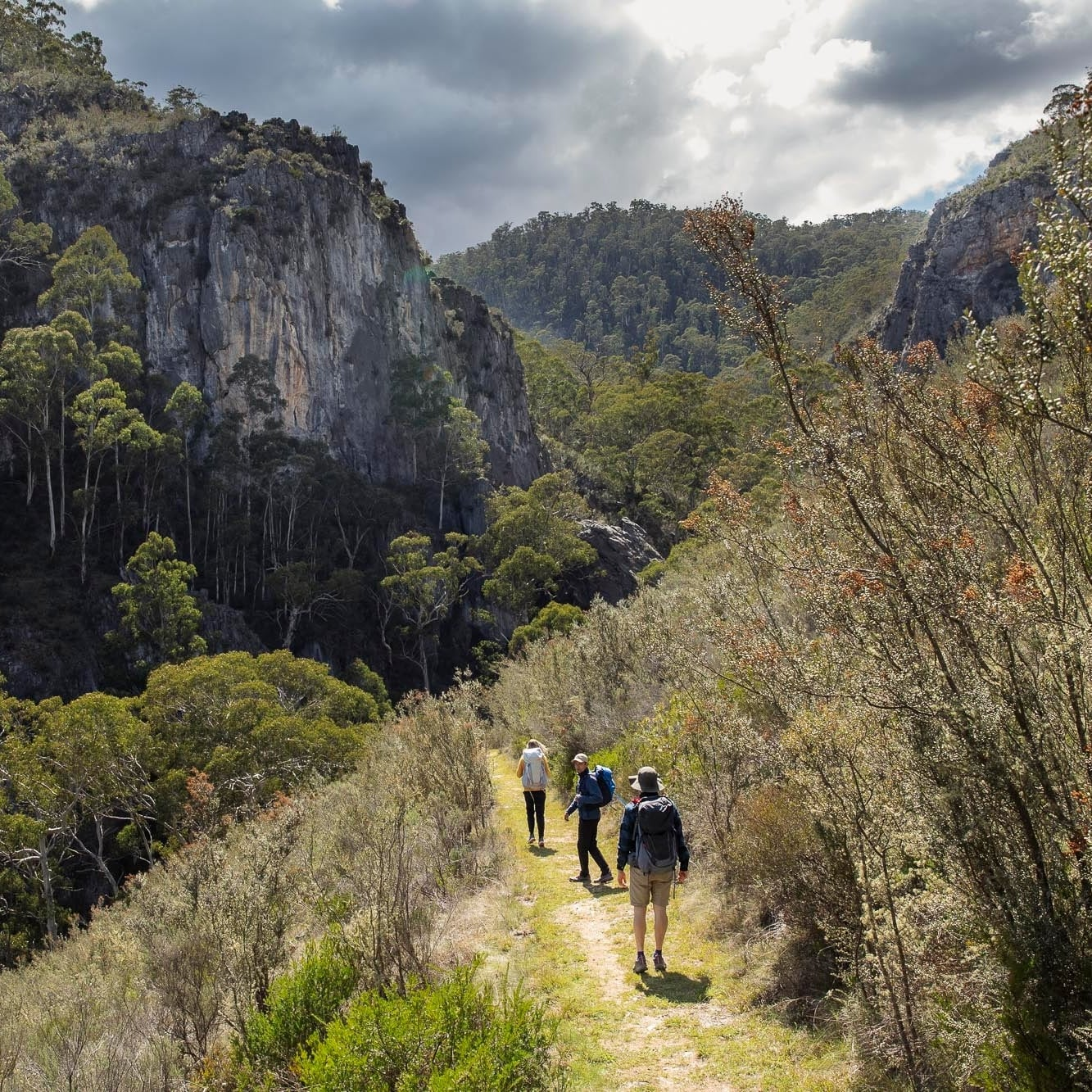 People walking through the Snowy Mountains to the  Yarrangobilly Caves © Tourism Snowy Mountains