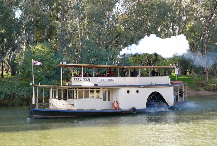 Murray River, Echuca-Moama, VIC/NSW © Murray River Paddlesteamers