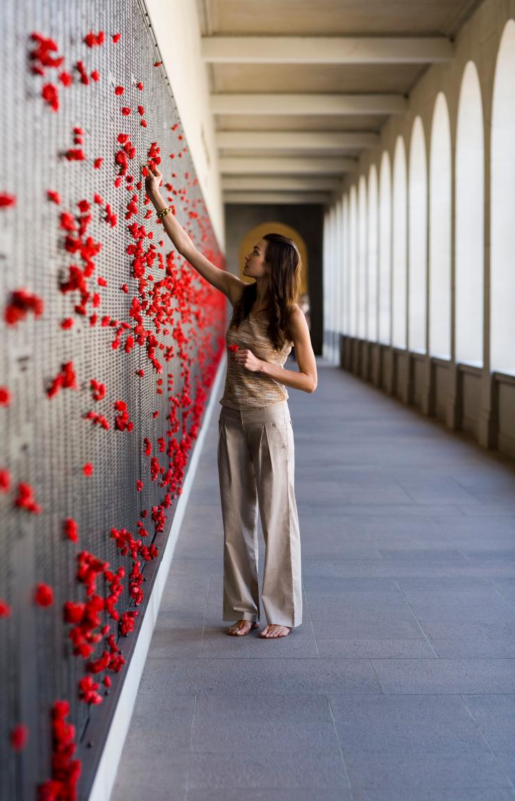 Woman at the Australian War Memorial in Canberra © Tourism Australia