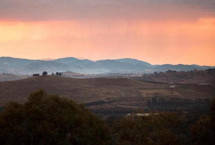 Red Hill Lookout, Canberra, ACT © VisitCanberra
