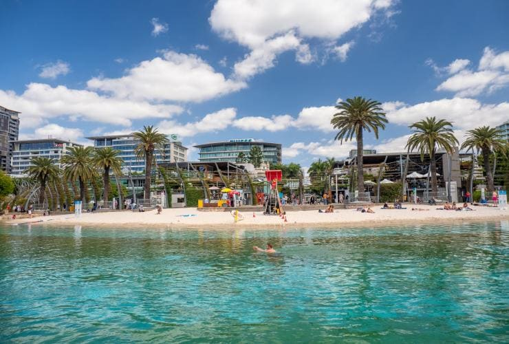 Streets Beach, South Brisbane, QLD © Tourism Australia
