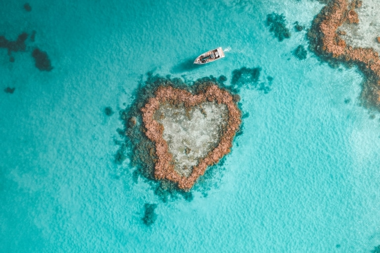 Heart Reef, Whitsundays, QLD © Saltywings