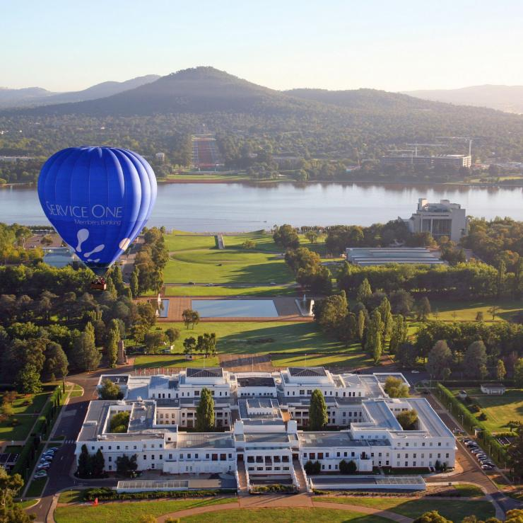 Hot air ballooning, Canberra, ACT ©  Tourism Australia