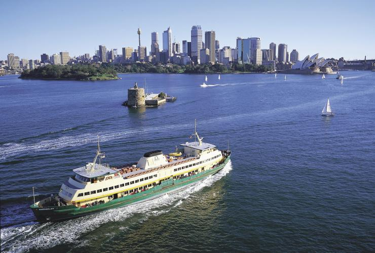 Manly ferry, Sydney Harbour, Sydney, NSW © Destination NSW