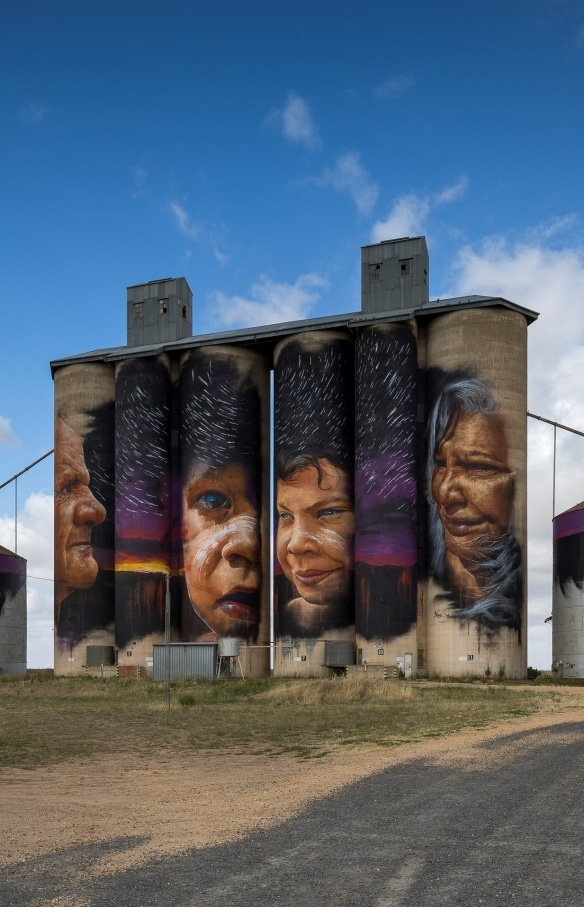 Silo Art Trail, Sheeps Hill, VIC © Visit Victoria
