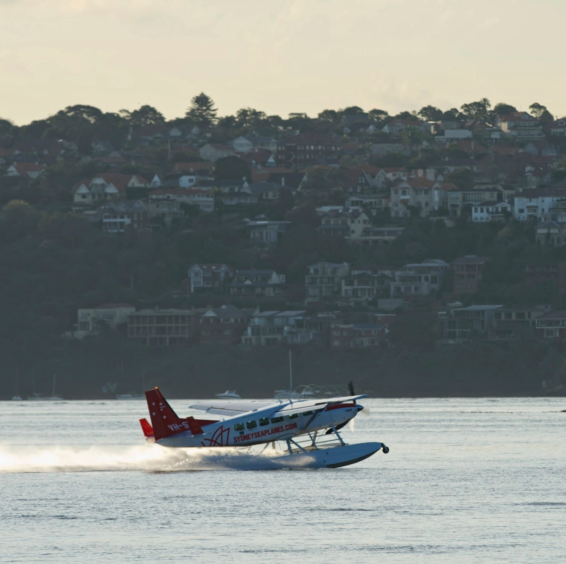 Sydney Seaplanes flight taking off in Sydney Harbour © Tourism Australia