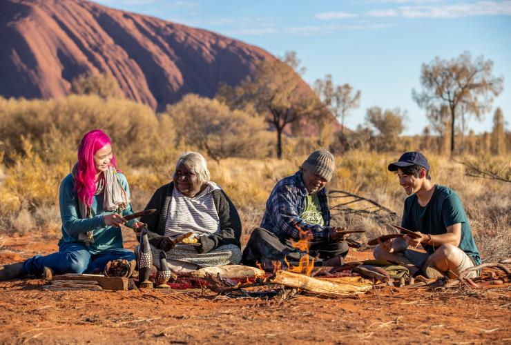 Maruku Arts, Red Centre, NT © Tourism Australia