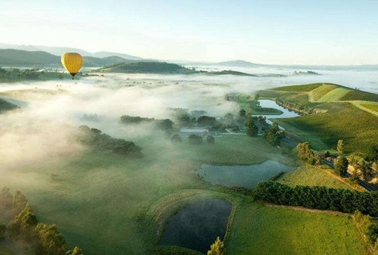 Hot air ballooning over the Yarra Valley, VIC © Visit Victoria