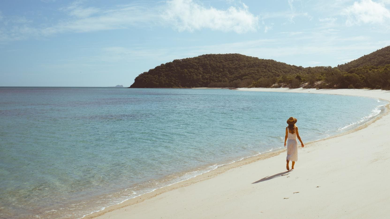 Luncheon Bay, Hook Island, Whitsundays, QLD. © Tourism and Events Queensland