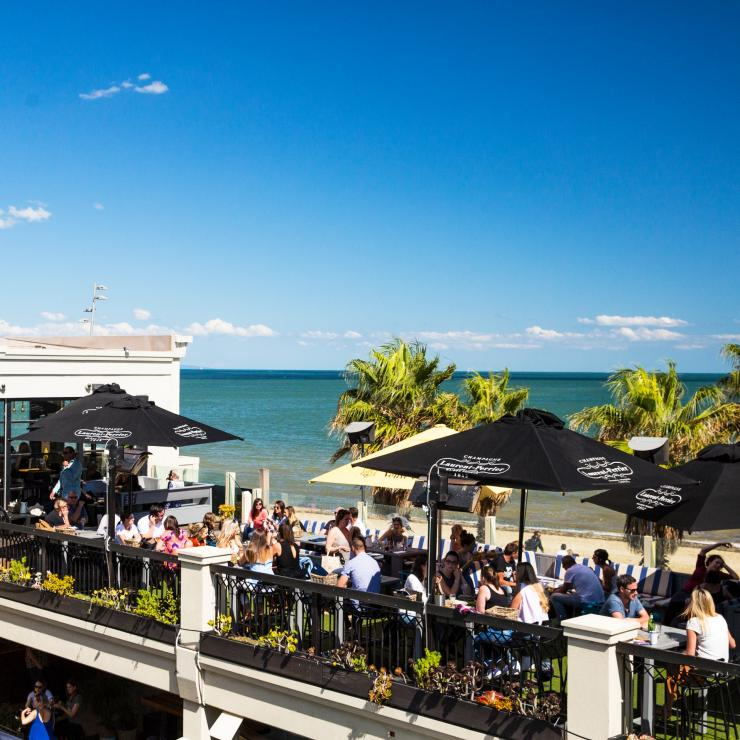 Diners at Republica at St Kilda beach foreshore near Melbourne © Josie Withers Photography