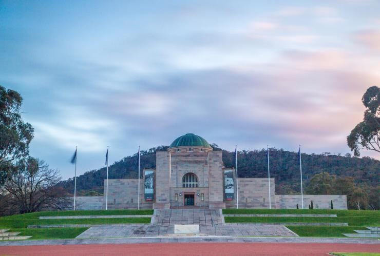 Australian War Memorial building at sunset in Canberra ©Visit Canberra