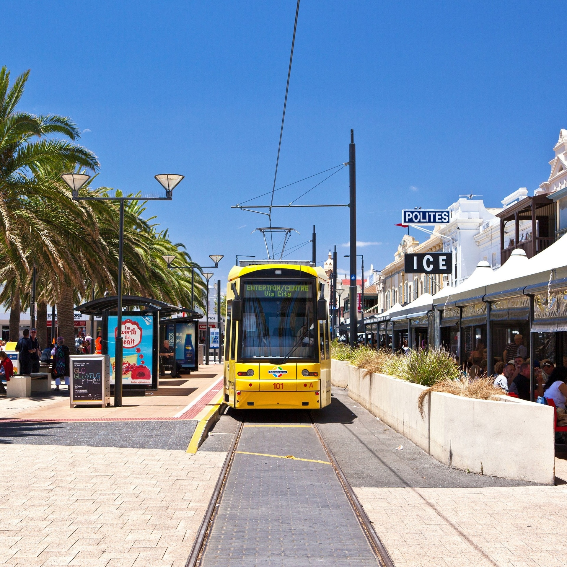 Tram, Jetty Road, Adelaide, SA © South Australian Tourism Commission