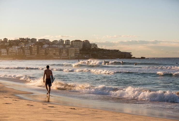 Bondi Beach, Sydney, NSW © Daniel Boud, Destination NSW
