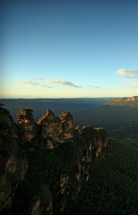 Three Sisters, Grose Valley, Blue Mountains, NSW © Tourism Australia, David Ireland