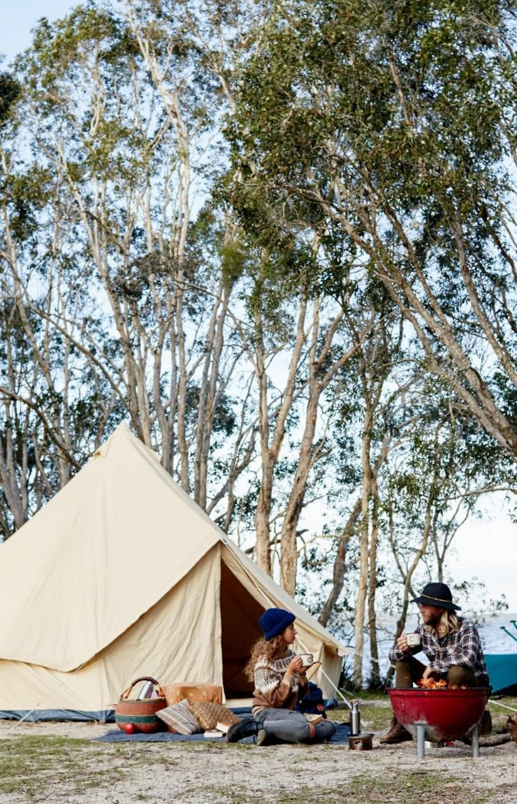 Camping à Elanda Point, Noosa, QLD © Tourism and Events Queensland, Ming Nomchong