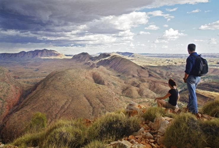 Larapinta Trail, West MacDonnell Ranges, Centre Rouge, NT © Tourism NT