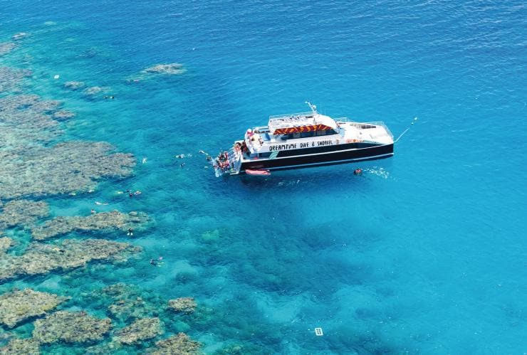 Dreamtime Dive and Snorkel, QLD © Tourism Australia
