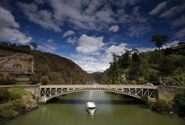 Kings Bridge, Cataract Gorge Reserve, TAS. © Tourism Tasmania