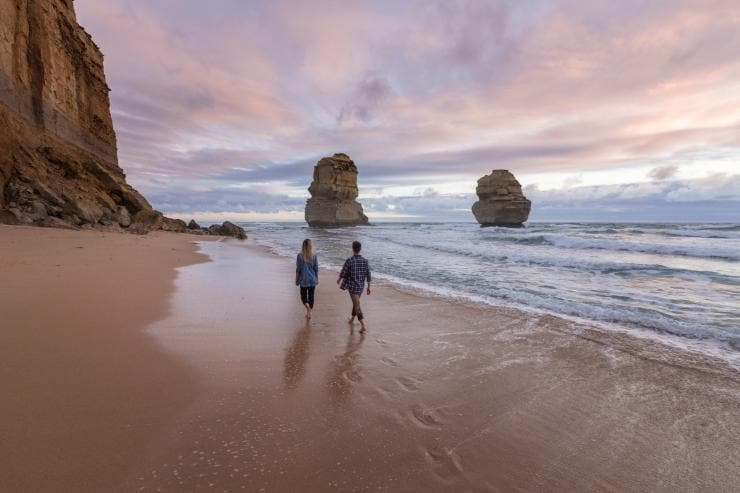 12 Apôtres, plage Gibson Steps, Great Ocean Road, VIC © Mark Watson