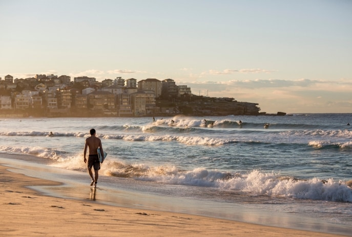Bondi Beach, Sydney, NSW © Destination NSW