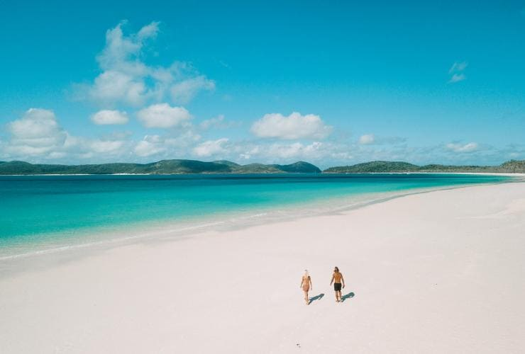 Whitehaven Beach, Whitsunday Islands, Grande Barrière de Corail, QLD © Tourism and Events Queensland