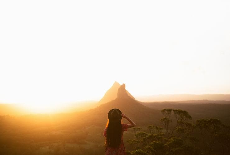 Glass House Mountains, Sunshine Coast Hinterland, QLD © Tourism and Events Queensland