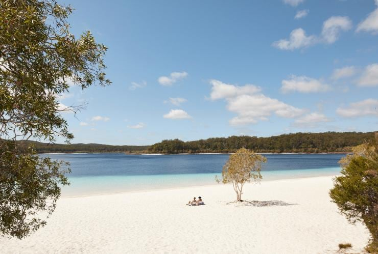 Lake McKenzie, Fraser Island, QLD © Tourism & Events Queensland