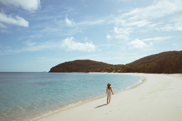 Chalkies Beach, Whitsundays, QLD © Jason Hill, Tourism and Events Queensland