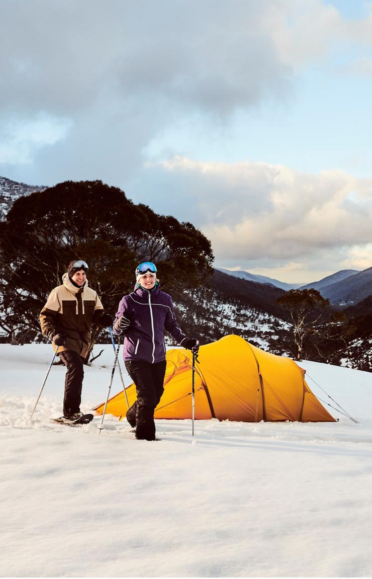 Mendaki salju di Thredbo, Snowy Mountains, NSW © Destination NSW
