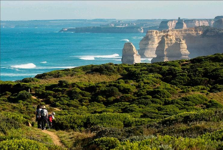 Twelve Apostles Lodge Walk, Great Ocean Road, VIC © Visit Victoria