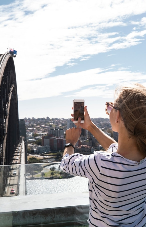 Sydney Harbour Bridge, Sydney, NSW © Tourism Australia