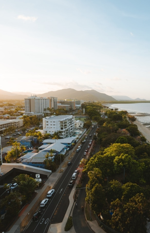 Riley Hotel, Cairns, Queensland © Tourism Australia