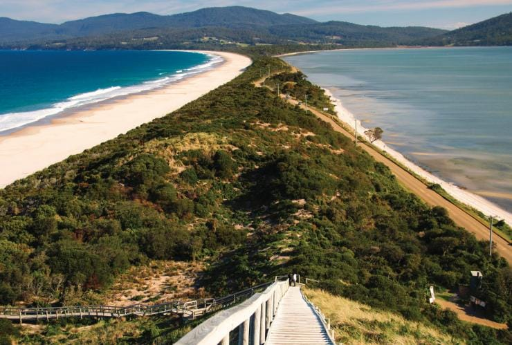 The Neck, Bruny Island, Tasmania © Tourism Tasmania, Rob Burnett