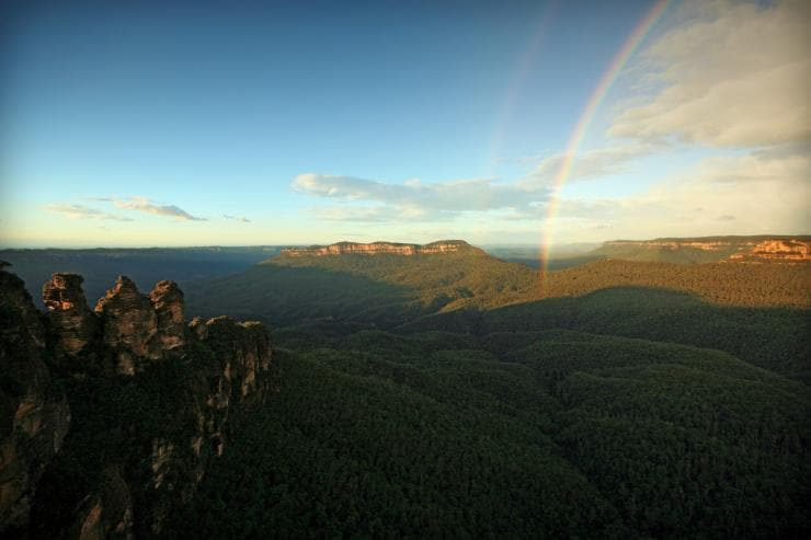 Three Sisters, Grose Valley, Blue Mountains, New South Wales © Tourism Australia, David Ireland