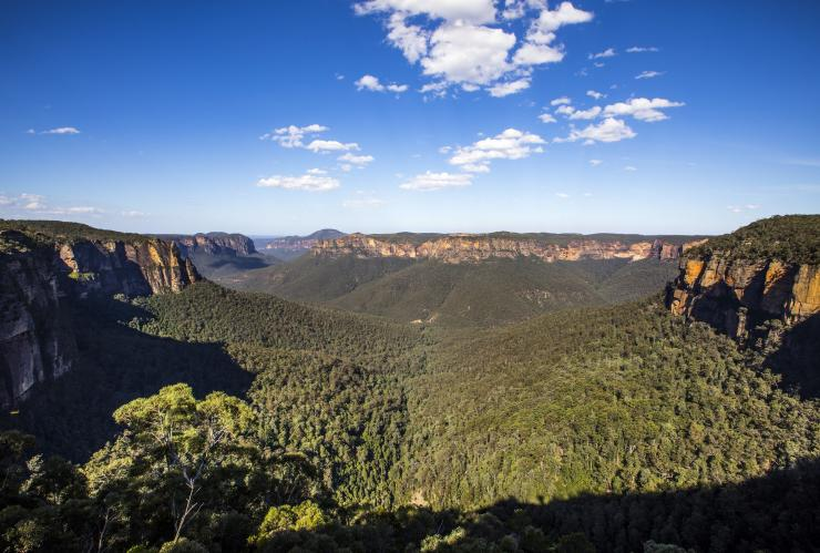 Govetts Leap Lookout, Blackheath, Blue Mountains, New South Wales © Destination NSW