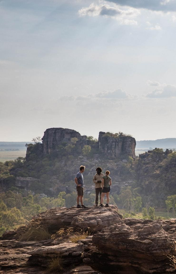 Kakadu Cultural Tours, Northern Territory © James Fisher, Tourism Australia