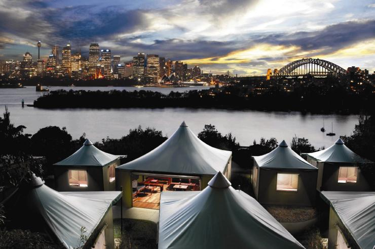 Esperienza di glamping Roar and Snore, Taronga Zoo Sydney, New South Wales © Taronga Zoo