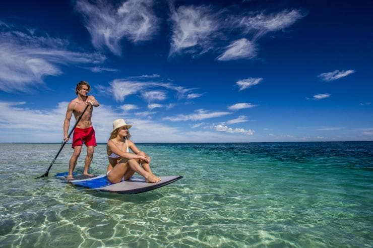 Paddleboarding a Coral Bay, Western Australia © Tourism Western Australia