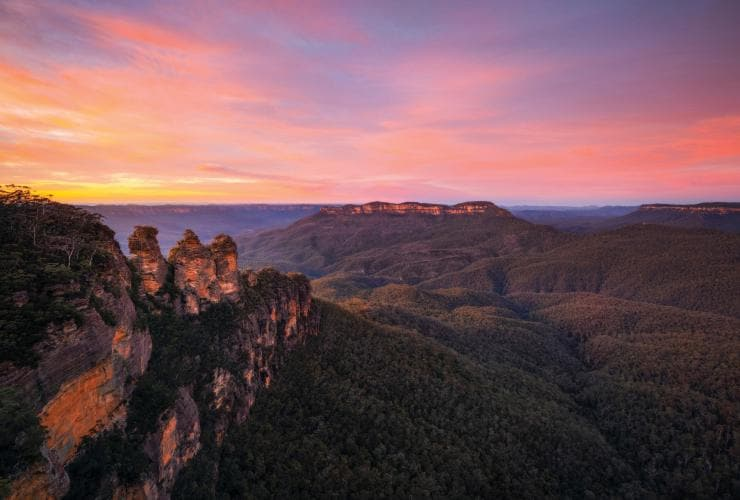 Three Sisters, Blue Mountains, New South Wales © Daniel Tran