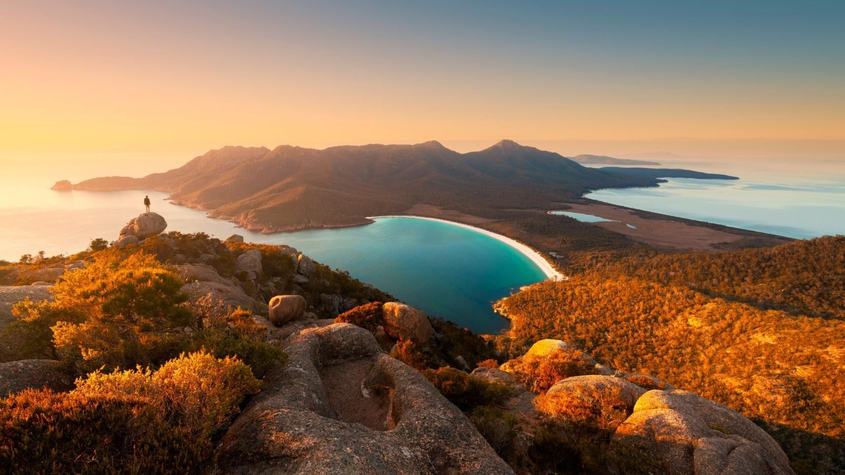 Wineglass Bay, Freycinet National Park, Tasmania © Matt Donovan