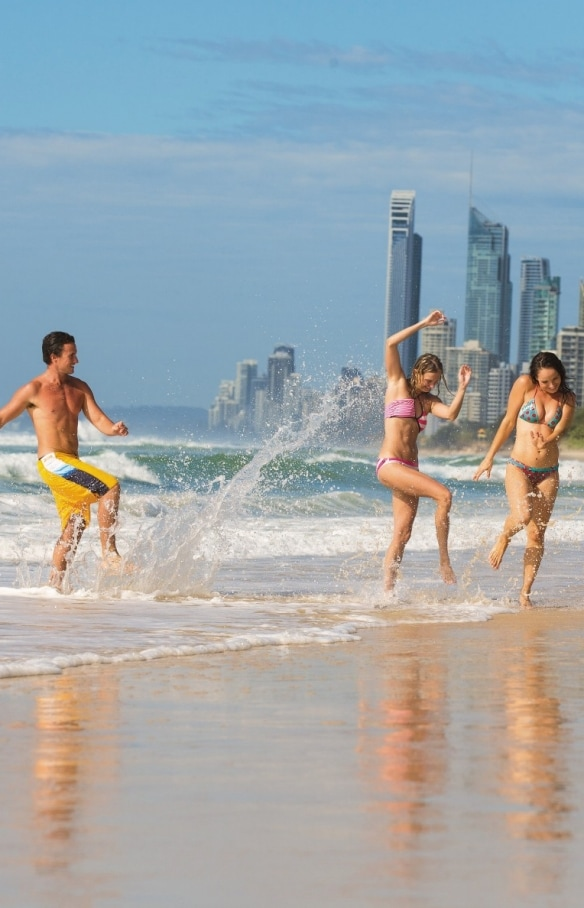 Main Beach, Gold Coast, Queensland © Mark Toia, Tourism and Events Queensland