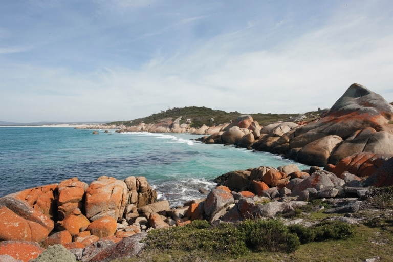 Binalong Bay, Bay of Fires Conservation Area, Tasmania © Tourism Australia