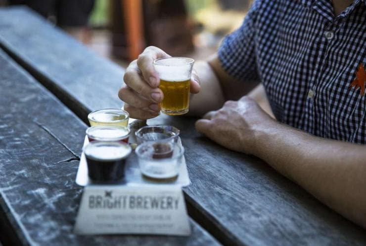 https://www.australia.com/content/australia/ja_jp/things-to-do/food-and-drinks/australias-best-breweries/_jcr_content/mainParsys/imagewithcaption_b16/LargeImageTile/largeImageSrc.adapt.740.medium.jpg